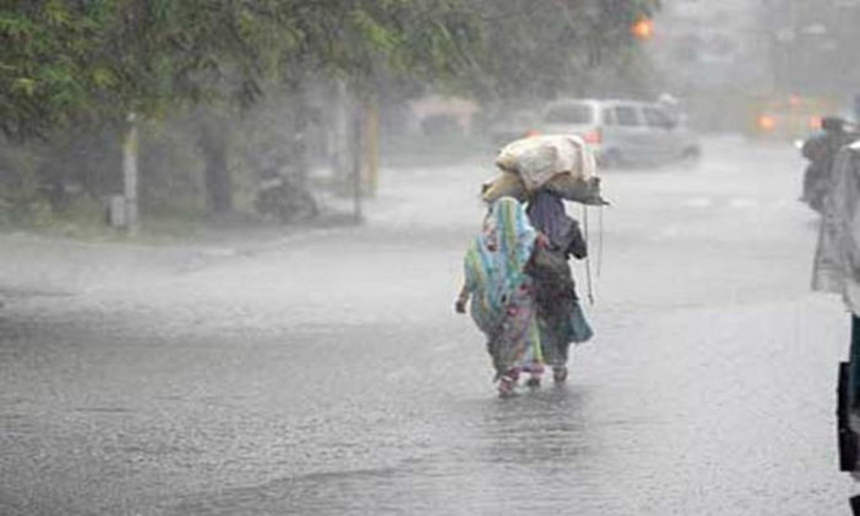 Photo of 24 ঘন্টার মধ্যেই কলকাতাসহ দক্ষিণবঙ্গে আছড়ে পড়তে চলেছে বজ্রবিদ্যুৎ সহ বৃষ্টিপাত