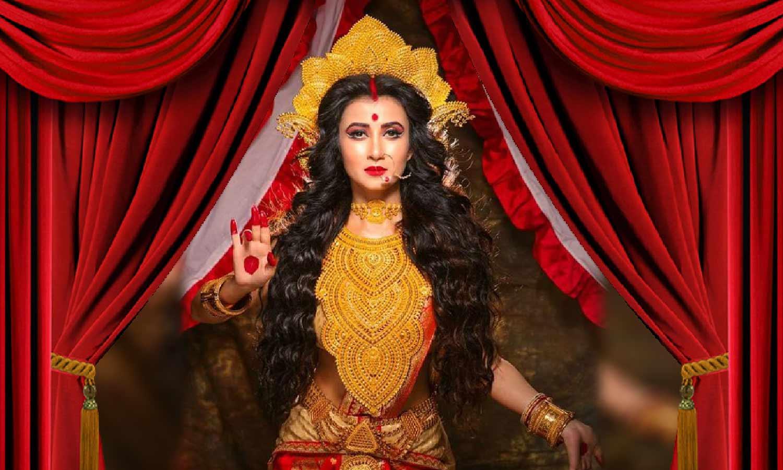 Photo of দুর্গা ষষ্ঠীর দিন মা দুর্গা সাজে সোশ্যাল মিডিয়ায় ভাইরাল মনামি ঘোষ