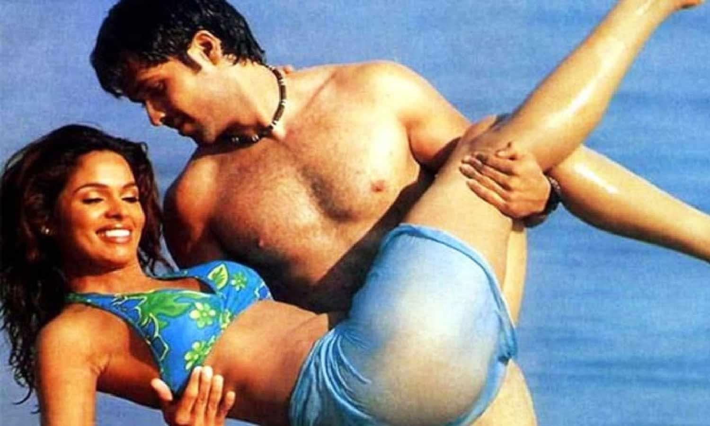 Photo of ইমরান হাশমি মল্লিকার সাথে করেছিলেন হট বোল্ড সিন, আজ চাইছেন ক্ষমা
