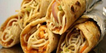 chicken noodles roll