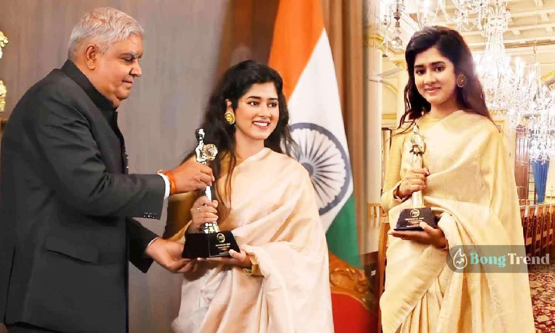 Bochorer Sera Award Ditipriya Roy দিতিপ্রিয়া রায় বছরের সেরা অ্যাওয়ার্ড Jagdeep Dhankhar