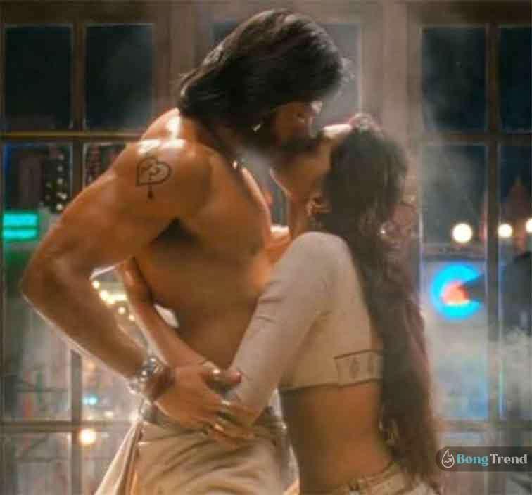 বলিউড চুমু দৃশ্য Bollywood Kissing Scene