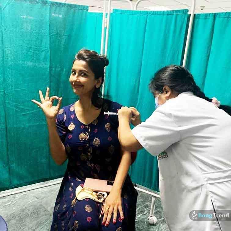 Rachana Banerjee Taking Covid-19 Vaccine