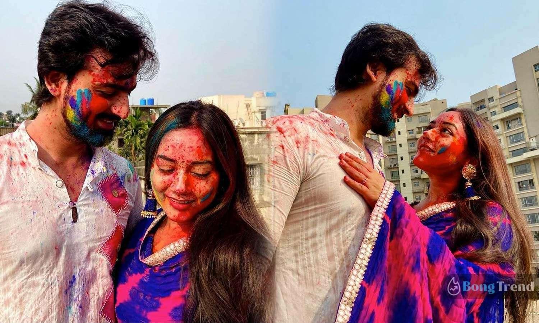 Photo of বিয়ের পর রুদ্রাজিতের সাথে প্রথম দোলে ভালোবাসার রঙে রঙিন হলেন অভিনেত্রী প্রমিতা