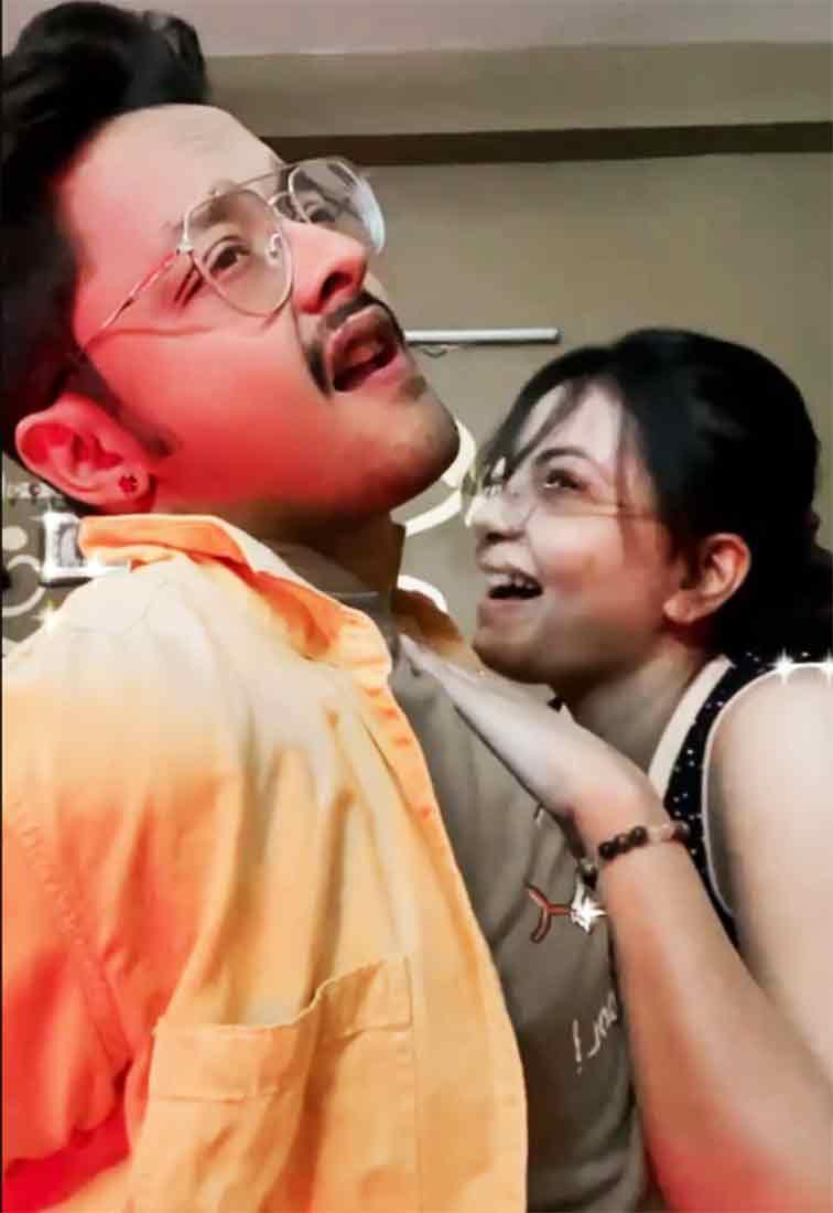 Sayantani Indranil Viral Video