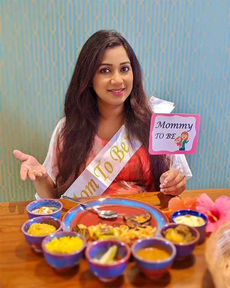 শ্রেয়া ঘোষাল Shreya Ghoshal online baby shower