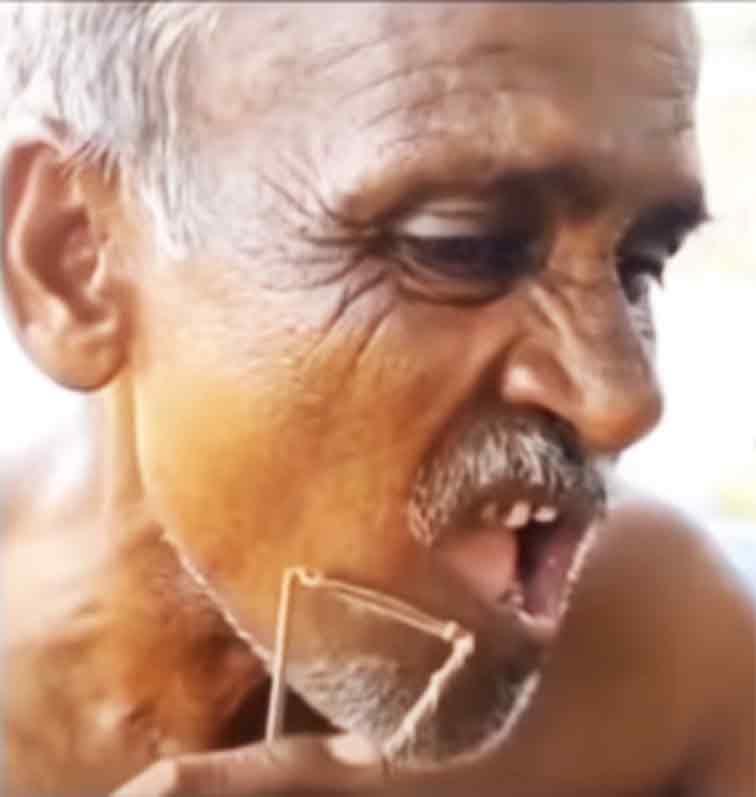 Viral Video of Desi Jugaad of Shaving Blade