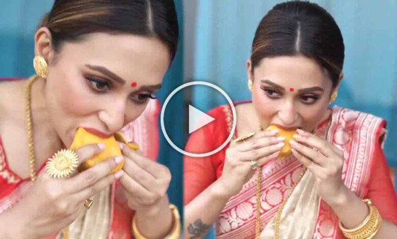 মিমি চক্রবর্তী Mimi Chakraborty