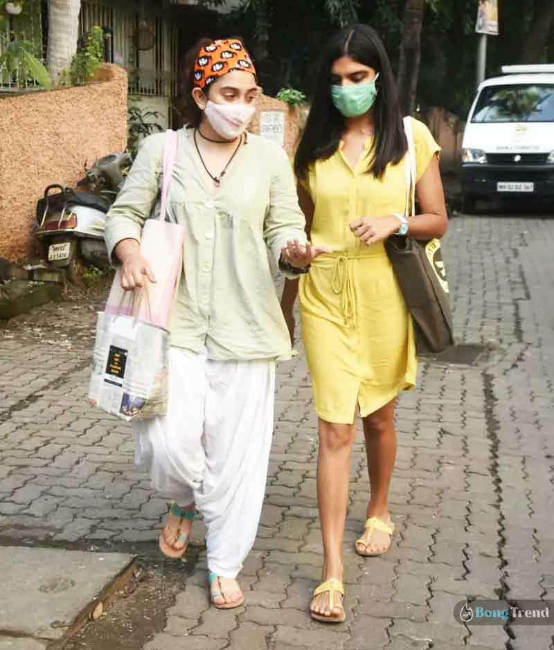 Amir Khan Daughter Ira Khan in Mumbai Auto