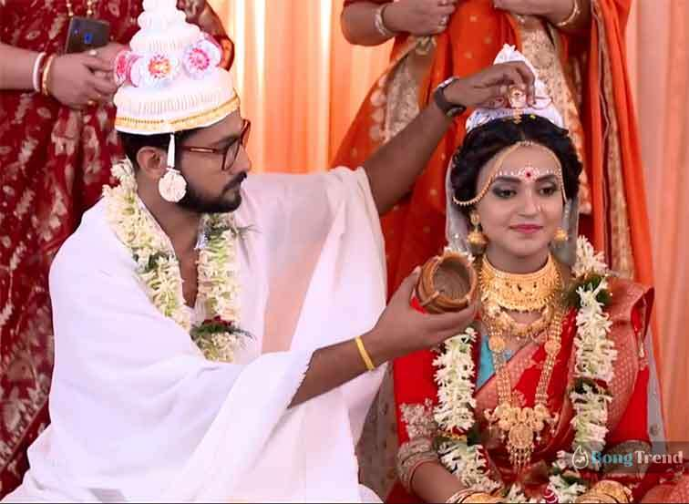 Urmi Satyaki Amader Ei Path Jodi Na Sesh Hoi উর্মি সাত্যকি আমাদের এই পথ যদি না শেষ হয়