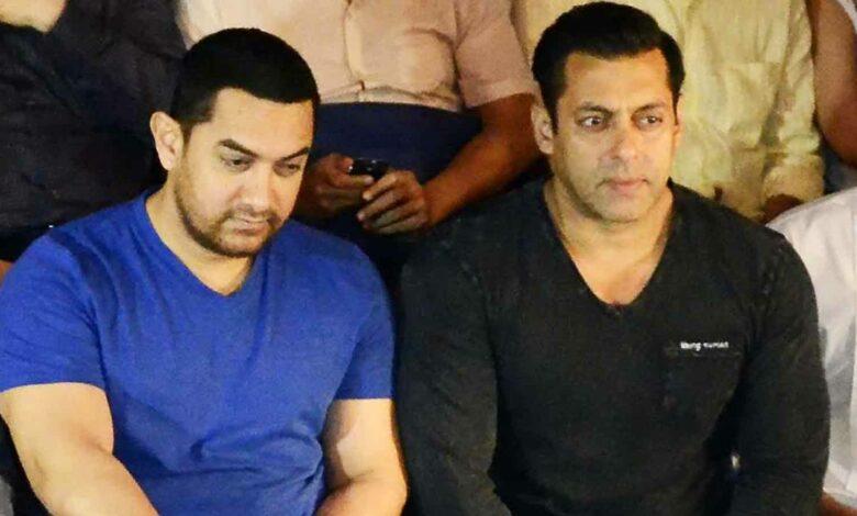 Amir Khan Salman Khan sitting together