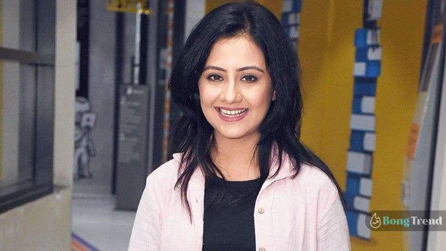 Manali Dey Smile