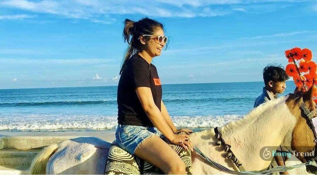 Krishnakoli Actress Tiasha Roy on vacation