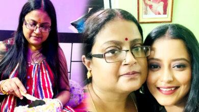 Photo of ক্ষমা করিস সব ভুলের জন্য',মায়ের জন্মদিনে 'তুই' বলে সম্বোধন করে কটাক্ষের মুখে শ্রুতি
