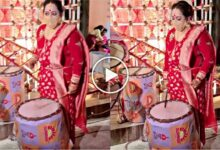 Photo of নারী শক্তির জয়! ৬৬ পল্লীতে মা দুর্গার সামনে জমিয়ে ঢাক বাজালেন অপরাজিতা আঢ্য
